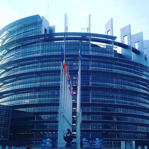 parlement europeen.jpg